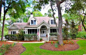 582 Lantana $550,000 Ground Level Living with 4BR, 4BA!